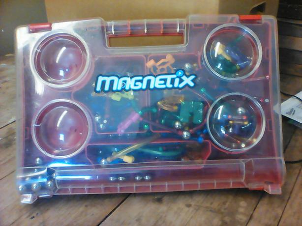 Magnetix magnetic building kit