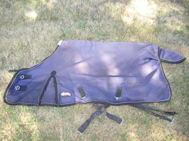 Size 66 Weaver Rain sheet - great condition waterproof