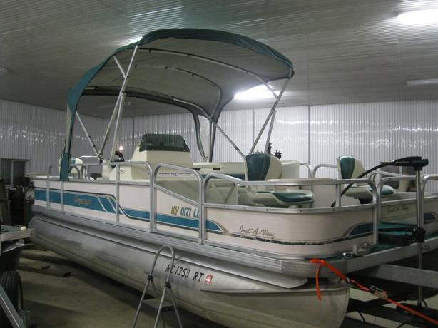 1995 Premier 21' Fish/Cruise Pontoon Boat w/40hp Merc & Half Enclosure