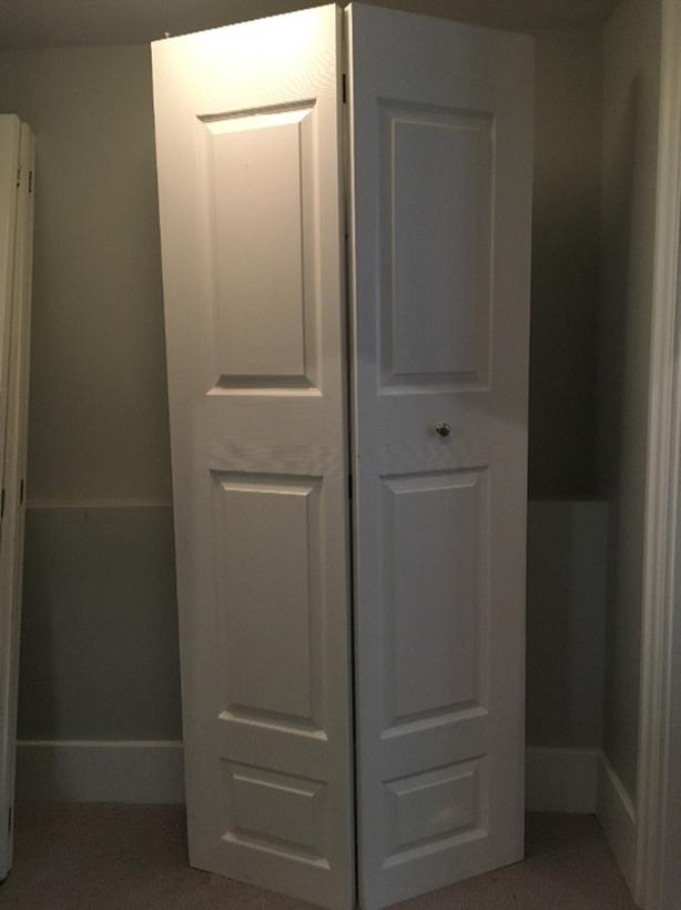 2 White Bifold Closet Doors   $25 Each Or 2 For $45