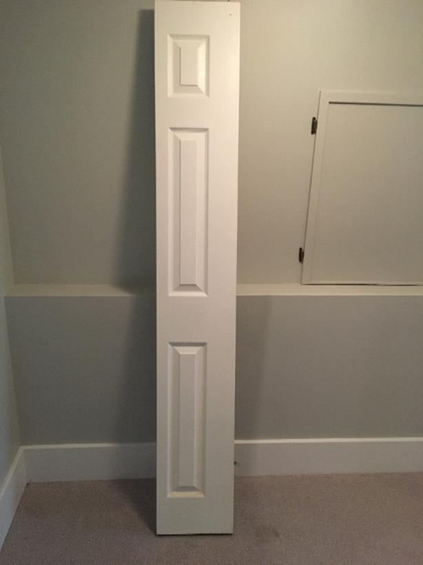 2 White Bifold Closet Doors ( $20 Each)