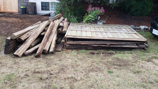 FREE: Wood. Fence panels, 4x4 posts, ties, and more.