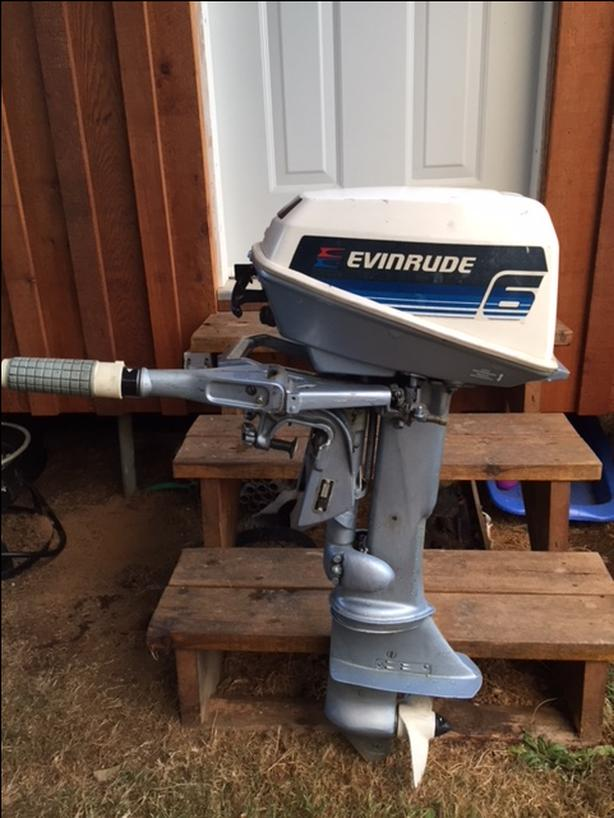 6HP Evinrude Boat Motor / Kicker.  Runs Great