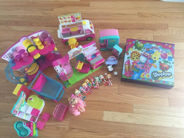 Assorted Shopkins and Playsets