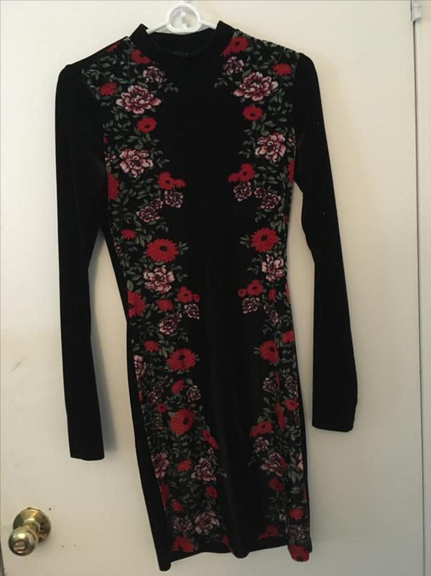 Floral slimming dress