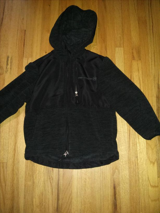FLEECE JACKET SIZE FITS LIKE BOYS SIZE 5-6