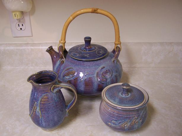 Teapot w/Cream & Sugar Set - Pottery