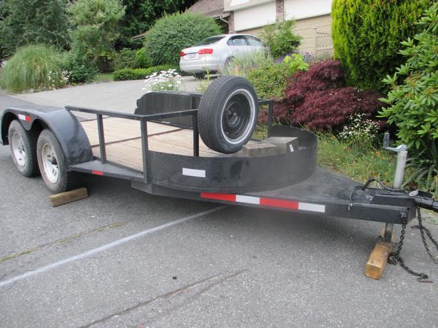 Flat deck trailer