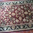 Unique 5' x8' area rug