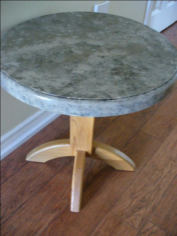 SMALL ROUND WOOD TABLE - CENTER PEDESTAL - PAINTED TOP