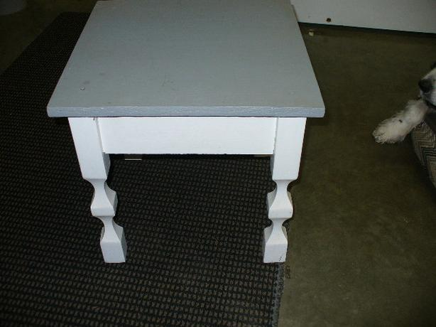 SMALL WOOD TABLE - PAINTED - STURDY