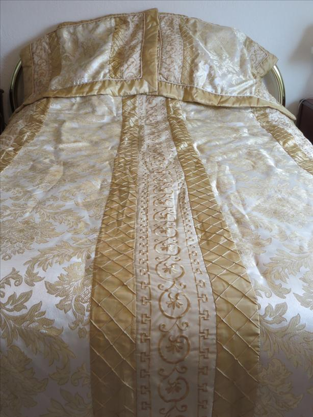 Comforter - Luxury-size Gold Queen