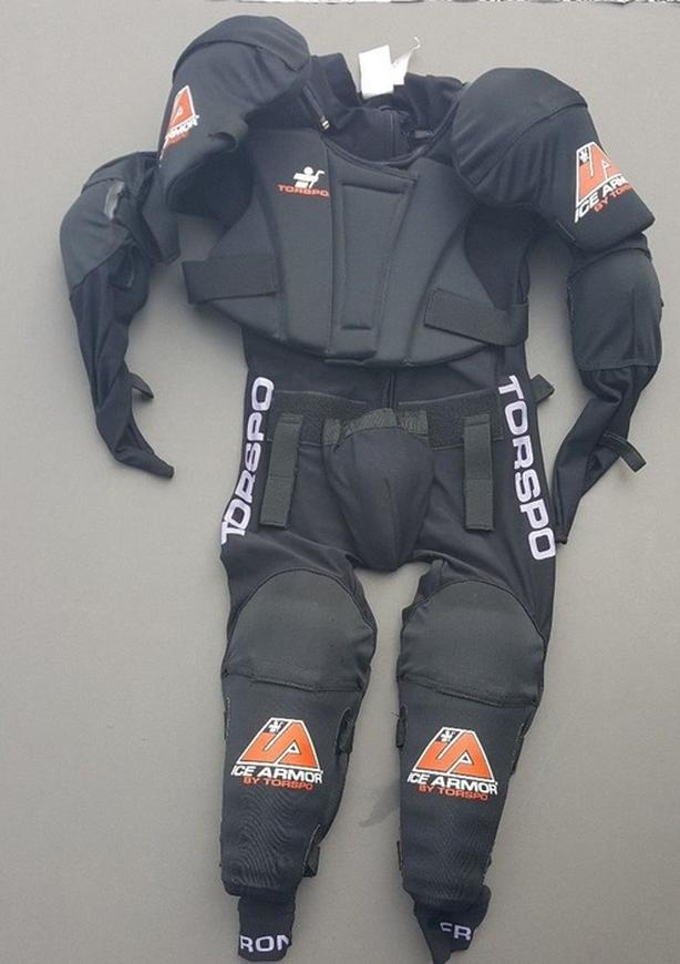 Brand new torspo one piece hockey protection system Large size