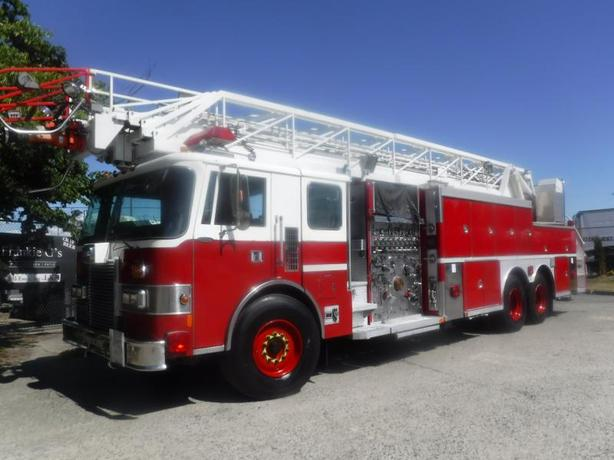 1991 Pierce Superior Fire Truck Ladder Truck Diesel Air Brakes