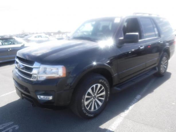 2017 Ford Expedition XLT 4WD 3rd row seating Ecoboost