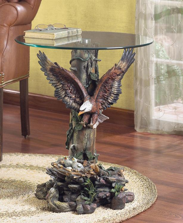 Sculpted Eagle Figurine Statue Accent End Table with Glass Top Brand New