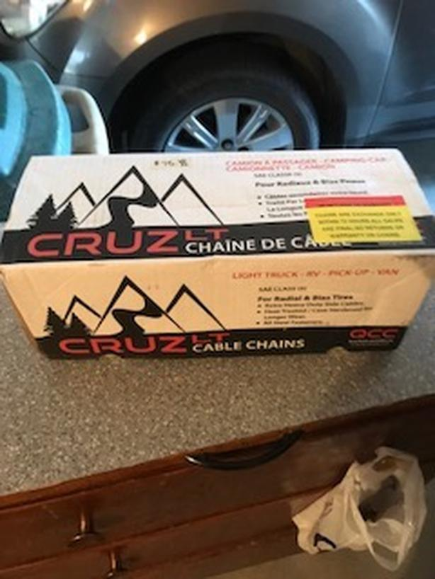 New Never Used 1 Pair Cruz-Lite Cable Chains for Light Trucks