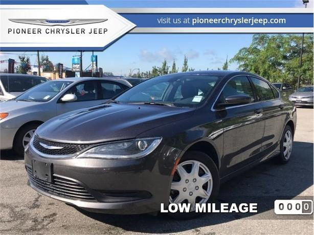 2016 Chrysler 200 LX  - Keyless Entry -  Cruise Control