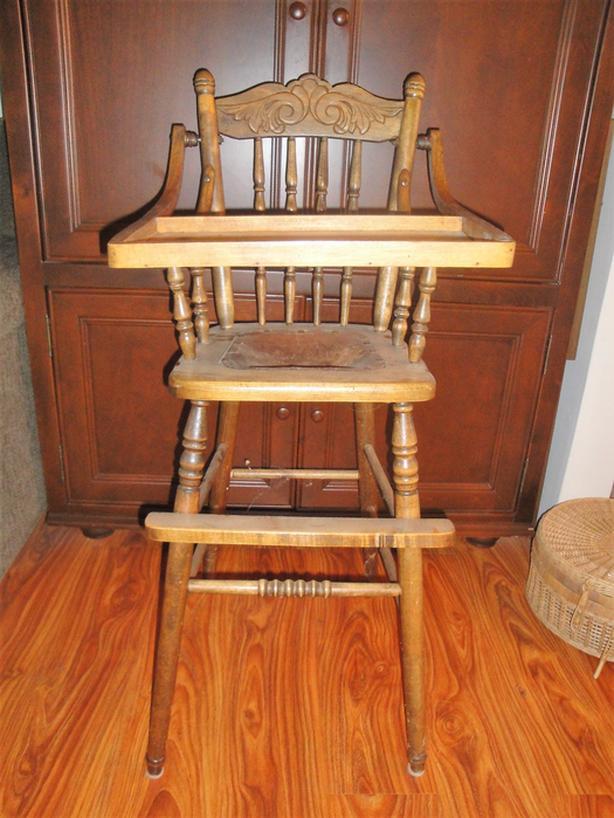 📌Bannockburn Heritage Site📌 Antique Solid Oak Pressback High Chair, Leather Seat