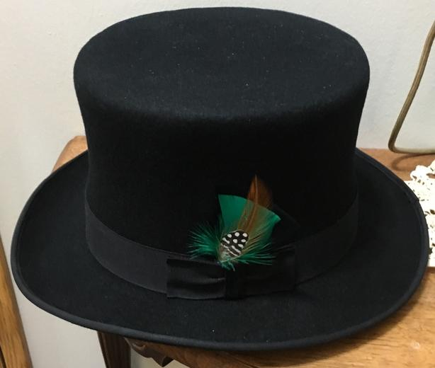 a851fadcb1637 Top Hat Saanich