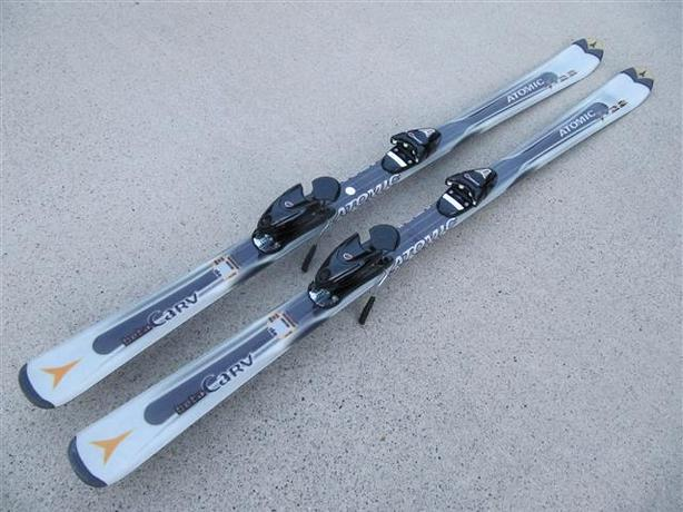 160cm Skis ~ Atomic Beta Carv