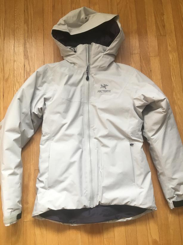 promo codes release info on look out for  Log In needed $400 · Arcteryx Women's Fission SV Jacket - Sz Small