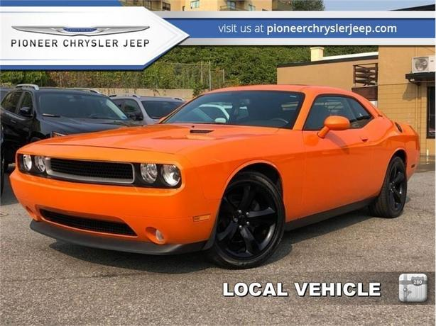 2014 Dodge Challenger SXT Plus  -Nav -Parking Sensor -Leather Heated Seats