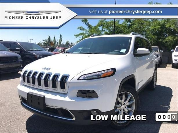 2017 Jeep Cherokee Limited  -Panoramic Sunroof - Leather Seats -Navi