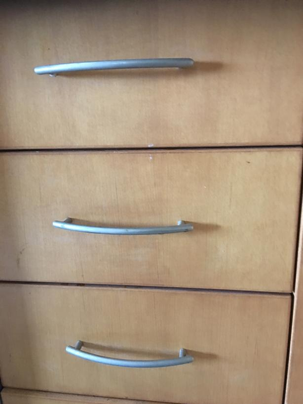 25 Richelieu Cabinet Pulls and screws