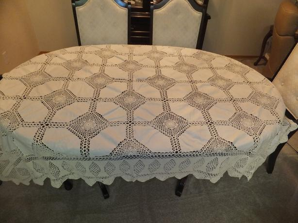 FOR SALE Hand Crocheted Heirloom Tablecloth/Bedspread size 60x90. Never used.