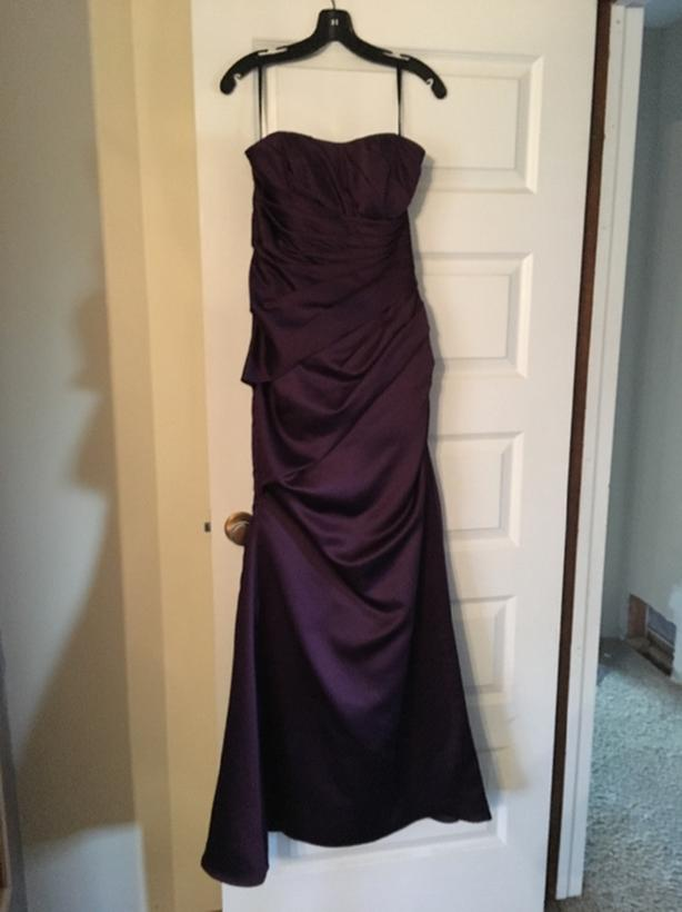 Size 10 purple gown