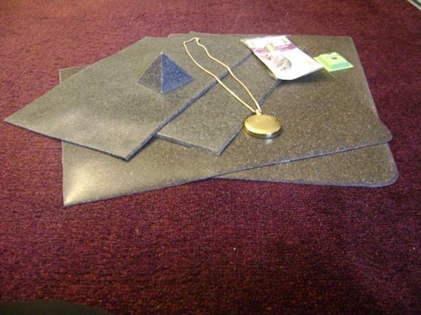 4-EMF Vibrational Grounding Therapy Mats+Titanium Energy Pendant