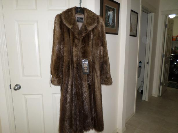 High End Quality Woman's Beaver Fur Coat