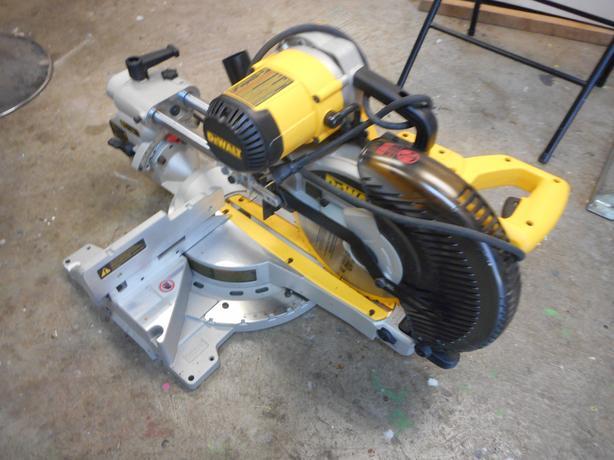 Dewalt 10 inch miter saw with stand