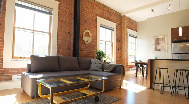 Heritage loft downtown, furnished, avail April 6 through May 31