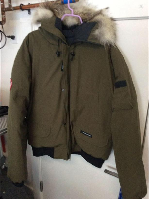 canada goose chilliwack bomber jacket west shore langford colwood rh usedvictoria com