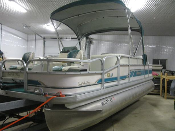 1995 Premier 21' Fish/Cruise Pontoon Boat w/40hp Merc w/ Half Enclosure