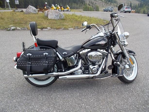 VIRTUALLY NEW HARLEY HERITAGE SOFTAIL