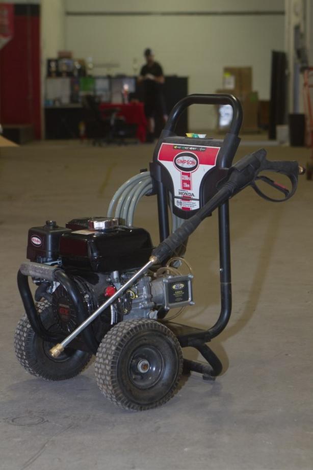 Lightly Used Simpson 3200 PSI Pressure Washers - Honda Engine