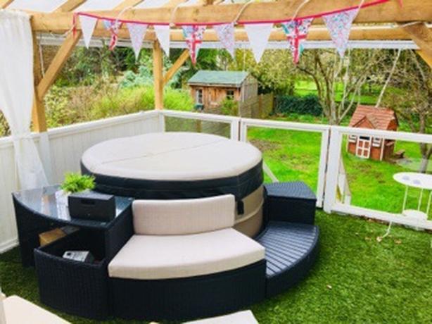 Portable Canadian Spa Company Hot Tub Oak Bay Victoria Mobile