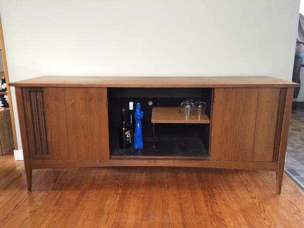 Mid century modern liquor cabinet/sideboard