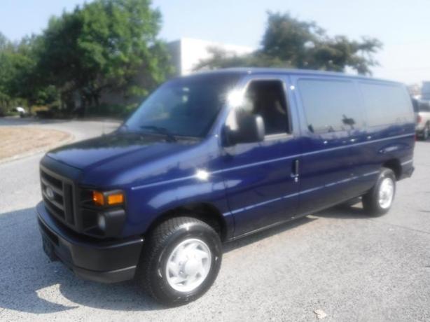 2013 Ford Econoline E-150 XL 8 Passenger Van