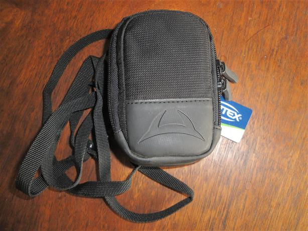 *LIKE NEW* Digital Camera Carrying Case w/ Neckstrap, by Optex