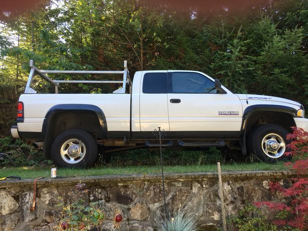 4x4 Dodge Sport Truck
