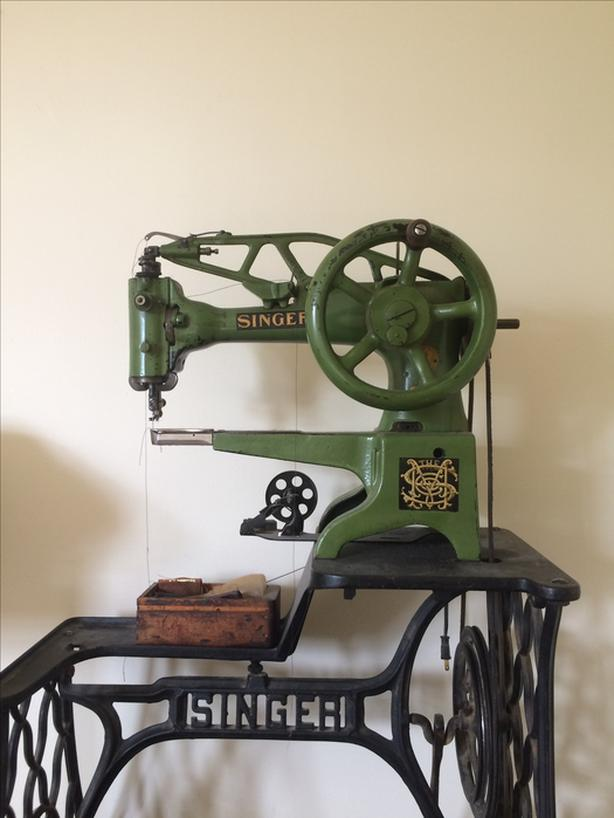 Singer 40K 40 Patcher Sewing Machine Leather Patcher Cobbler Mesmerizing Cobbler Sewing Machine