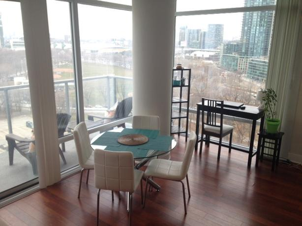 Luxury Downtown Waterfront w/ Views, 2bd/2bth+PARKING, Furnished