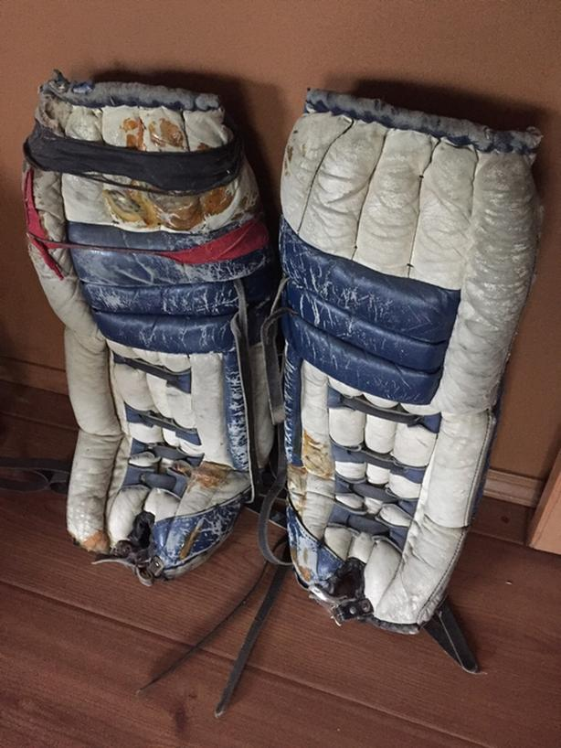 Vintage Old School Goalie Pads And Trapper Saanich Victoria