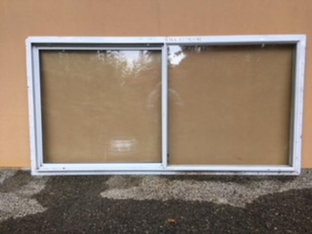 WHITE ALUMINUM WINDOW