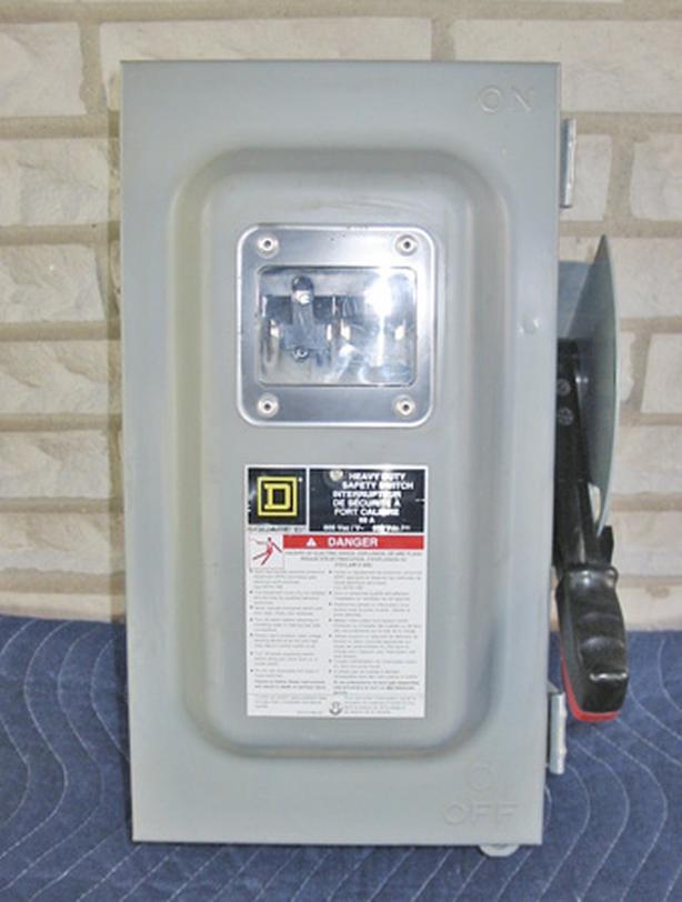 SQUARE D 60 Amp, 3 Phase, 600 Volt Non-Fused Rainproof-Dustproof Switch ~ Mint!