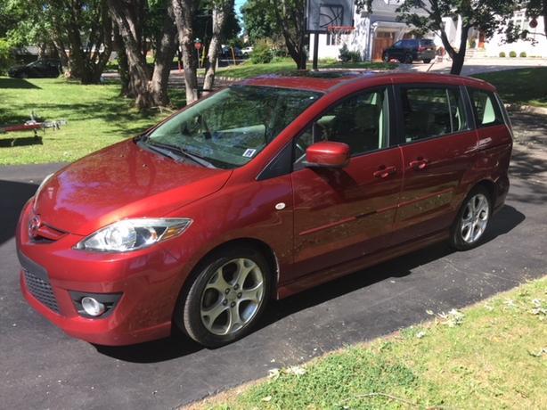 2009 Mazda 5 GT Mini-Van / Wagon (GT Trim) Mileage = 83,000 km